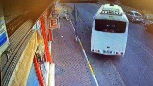 Midibüs geri geri iş yerine daldı, şöför araçtan bile inmeden gitti