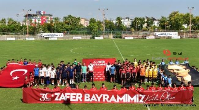 Zafer Bayramı coşkusu futbolla birleşti