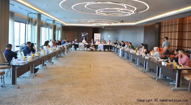 Antalya Ticaret Platformu'nun ilk konuğu Ümit Uysal