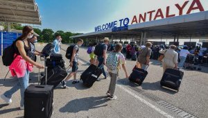 Antalya'ya havadan 8 milyon turist
