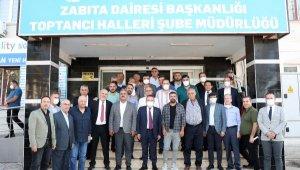 Başkan Böcek, Antalya hal esnafını ziyaret etti