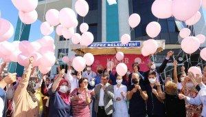 Kanser farkındalığı için pembe balon uçurdular