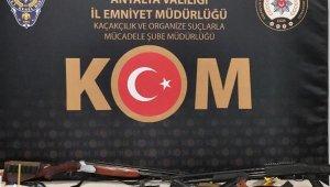 'Sahil Rüzgarı-2' operasyonunda Antalya'da 14 gözaltı !