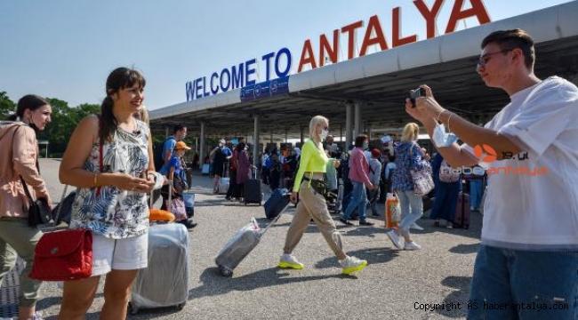 Tur operatörlerinin tahmini 8 milyon kişi
