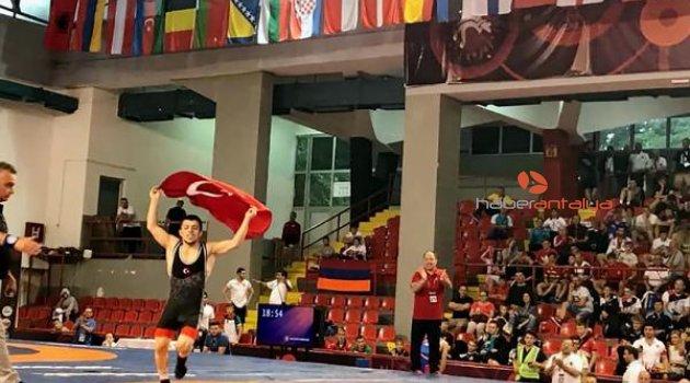 Adem Burak Uzun Avrupa Şampiyonu