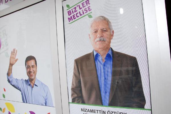 Altınova'da Hdp Seçim Bürosuna Silahlı Saldırı