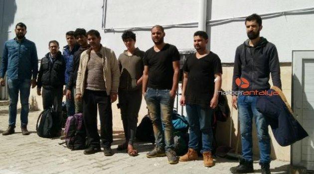 Antalya'da batan bottaki 50 kaçak göçmen kurtarıldı