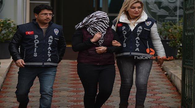 Antalya'da yaşlı adama çıplak fotoğraflı şantaj iddiası