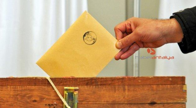 Antalya'da 16 milletvekilliği için 373 başvuru