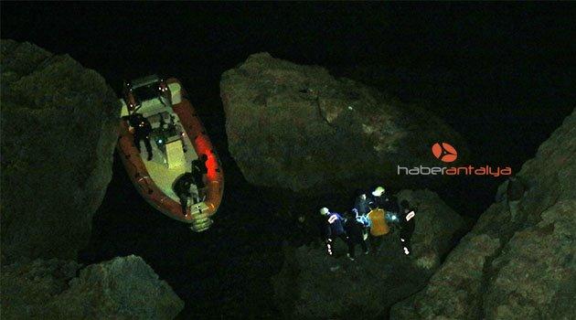 Antalya'da 20 metrelik uçurumda kurtarma operasyonu
