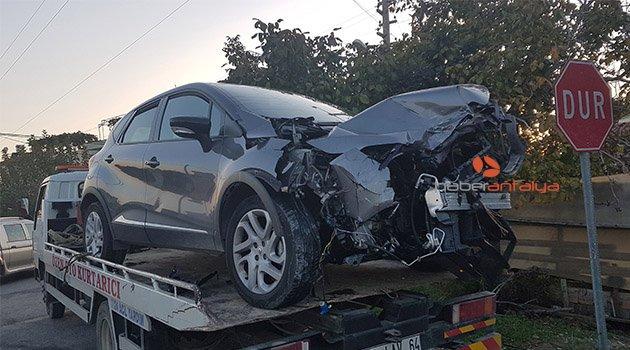 Antalya'da feci kaza: 4 kişi yaralandı