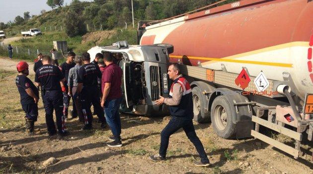 SON DURUM: Antalya'da tankerle öğrenci servisi çarpıştı: 3'ü ağır 23 yaralı