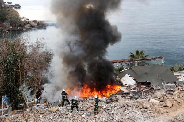 Antalya'da Yangınlar Korkuttu