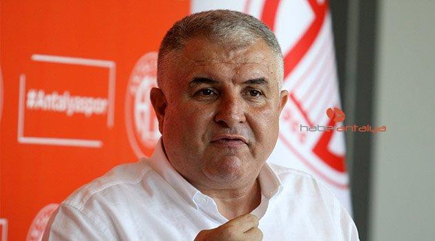 Antalyaspor Başkanı Bulut, görevini Ali Şafak Öztürk'e devretti