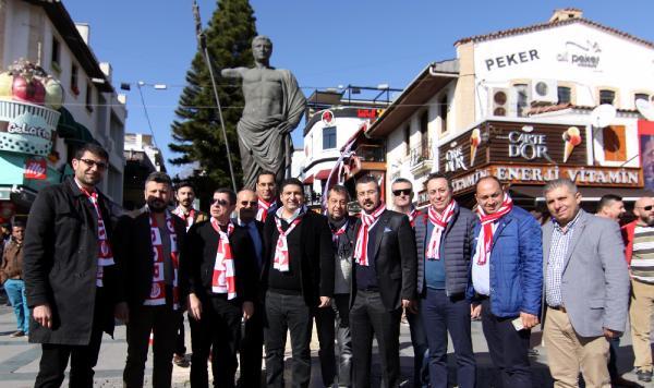 Antalyaspor Yönetimi Esnafla Buluştu