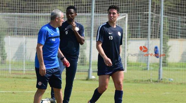 Antalyaspor'da Samir Nasri takımla çalıştı