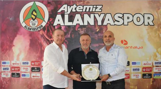 Aytemiz Alanyaspor, Mesut Bakkal ayrılığını açıkladı