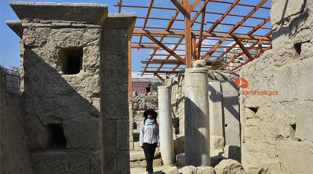 Aziz Nikolaos Anıt Müzesi'nde 2 katlı yapı ortaya çıkarıldı