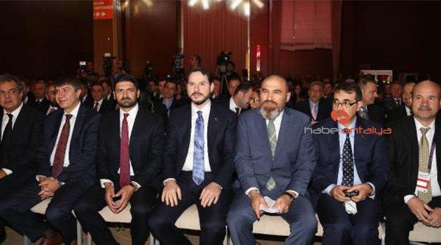 Bakan Albayrak: Türkiye ilk derin sondajını Akdeniz'e vuracak