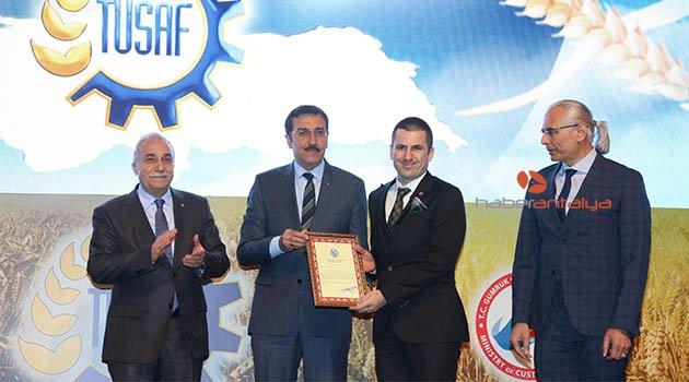 Bakan Fakıbaba: Türkiye'de yılda 1.7 milyar ekmek israf ediliyor