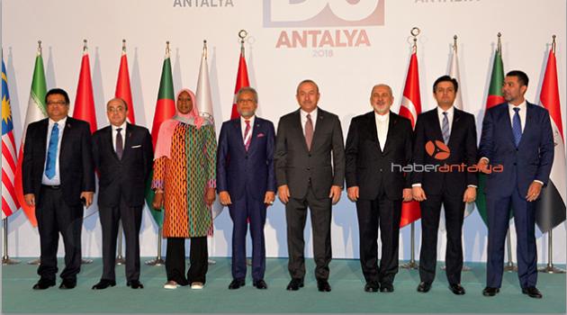 D-8 Dışişleri Bakanlar Konseyi Antalya'da toplandı