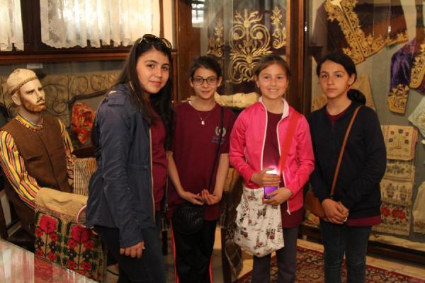 Dünya Çocuklarına İzmir Turu