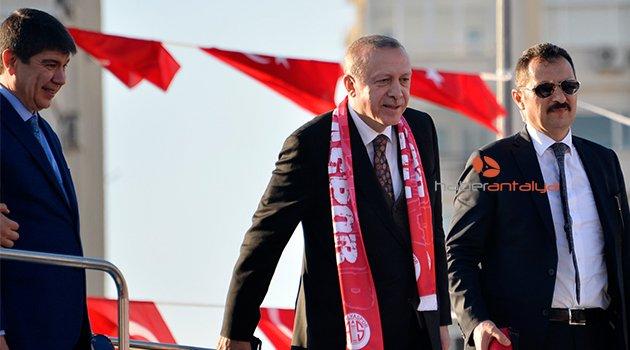 Erdoğan: Ordumuz Afrin'e yürüyor Afrin'e girdi giriyor
