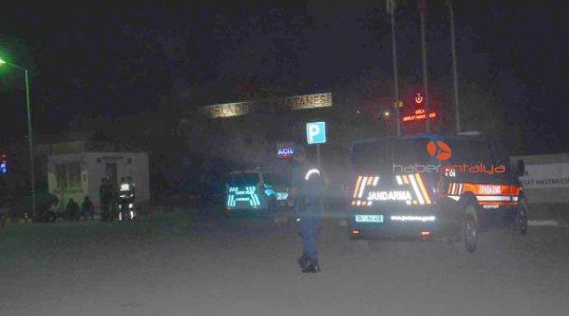 Hastanede silahlı kavga: 1'i polis, 7 yaralı