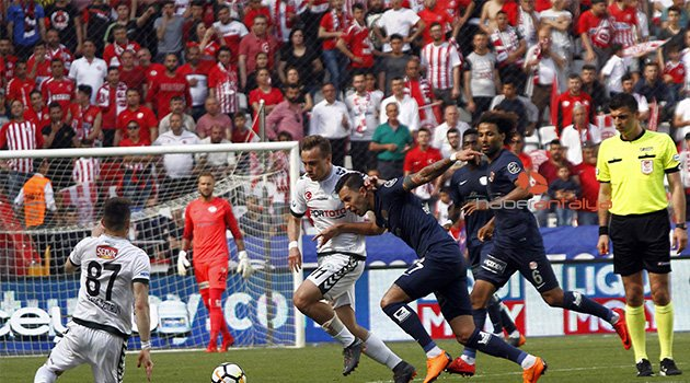 İLK YARI Antalyaspor: 0 - Atiker Konyaspor: 0