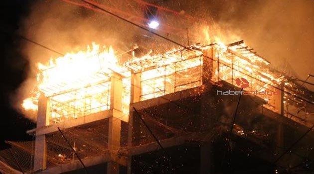 İnşaat halindeki binada yangın
