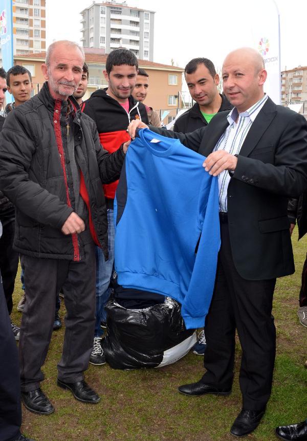 Kocasinan Belediyesi'nden Amatör Kulüplere Spor Malzemesi Yardımı
