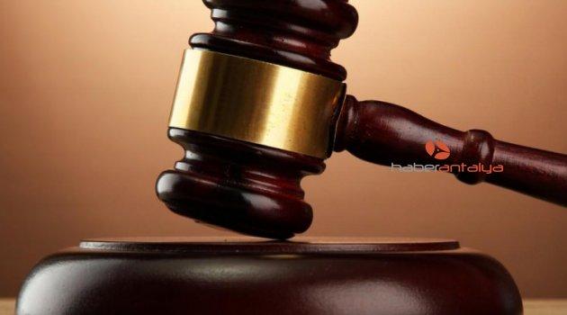 5 yaşındaki öz kızına işkence eden baba ile sevgilisinin yargılanmasına başlandı