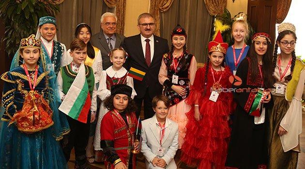Antalya, 12 ülkeden çocuk ağırlıyor