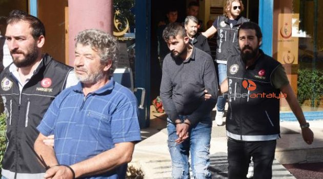 Antalya'da uyuşturucu operasyonu: 8 gözaltı