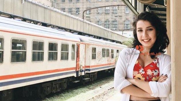 Antalyalı genç yazar, kitaplarını imzalayacak