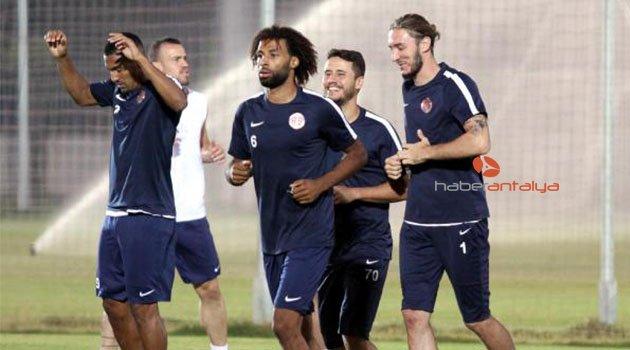 Antalyaspor, David Badia yönetiminde çalıştı