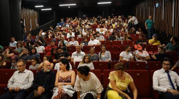 AŞT perdelerini Mall Of Antalya'da açtı