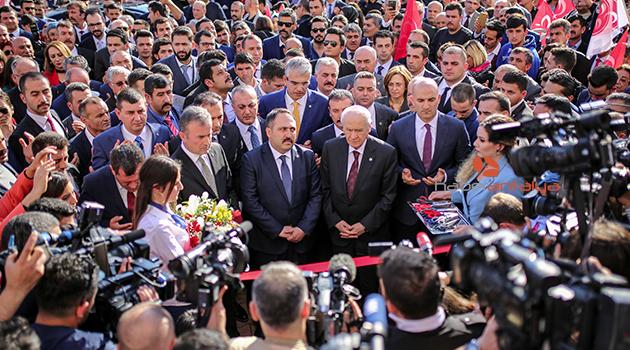 Bahçeli, partisinin il binasının açılışını yaptı