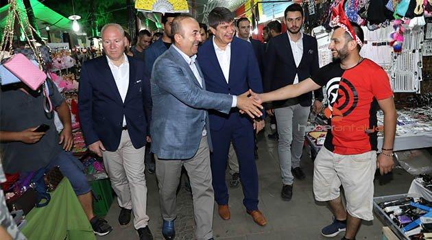 Bakan Çavuşoğlu ve Başkan Türel Ramazan çarşısında