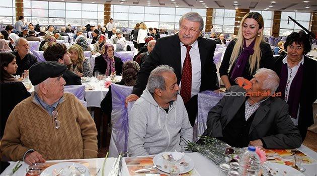 Döşemealtı Belediyesi Yaşlıları unutmadı