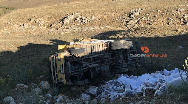 Elmalı'da kaza: 3 yaralı