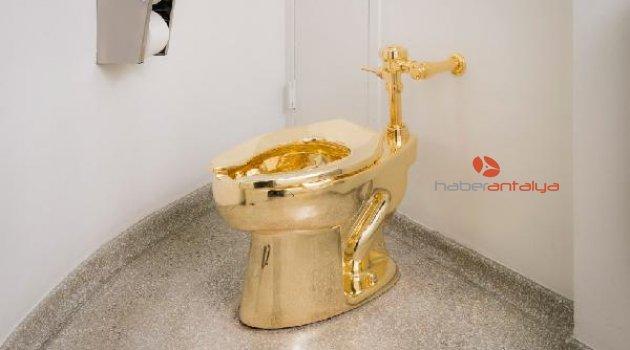 "Guggenheim'dan Trump'a ""altın tuvalet"" teklifi"