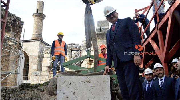 Kesik Minare'ye ilk taş konuldu, müze cami restorasyonu başladı