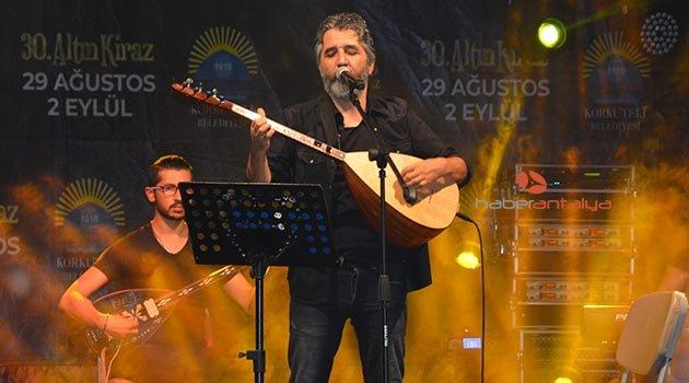 Korkuteli'de Ali Kınık konseri