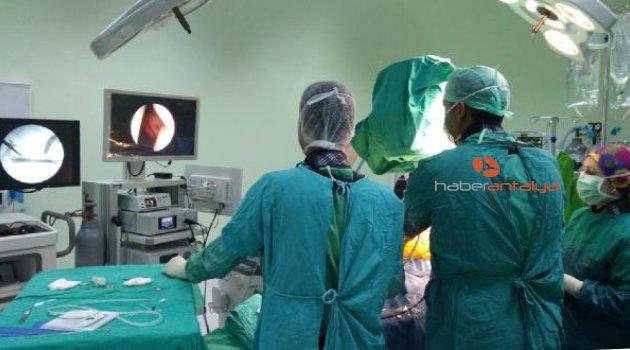 Korkuteli'de kapalı böbrek taşı ameliyatı
