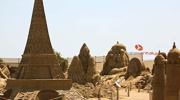 Kum heykeller sezonu açtı