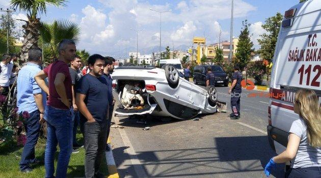 Takla atan araç ağaçlara çarparak durabildi: 3 yaralı