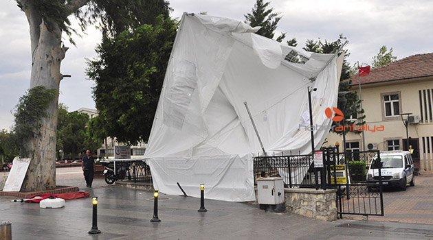 Manavgat'ta şiddetli rüzgar