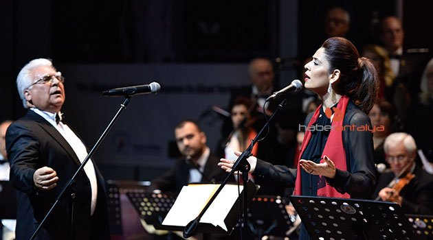 Muratpaşa'da geleneksel yeni yıl konseri
