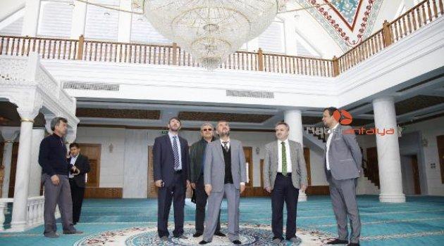 Müze Cami ibadete hazır